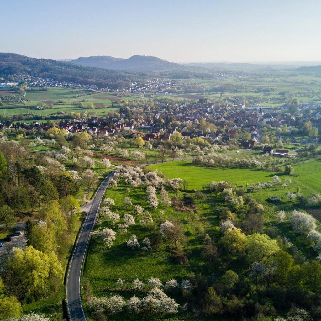 #kirschblüten #pretzfeld #ebermannstadt #ig_franken #franken #visitfranconia #deinbayern #franconia #franconianswitzerland #bavaria #forchheim2017 #igersforchheim #drone #dronemag #dronestagram #dji #djimavic #djimavicpro #mymavic #mavic #forchheimshots #dronefluencer #airvuz