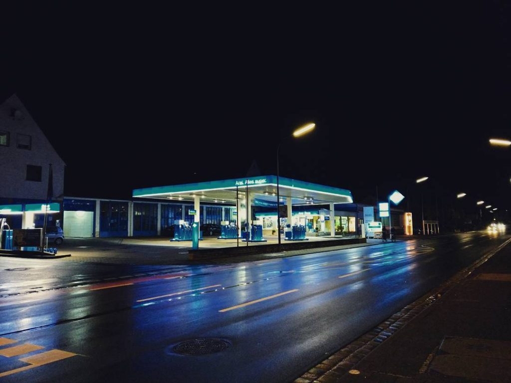 #night #lights #forchheim #forchheimerleben #schau_fei_forchheim #forchheimviews #igersforchheim #petrol #oneplus3 #Smartphone #pic #evening #rain #water #reflection #mirror #germany #city #town #urban #forchheimshots #urbandecay #urbanandstreet #urbanart