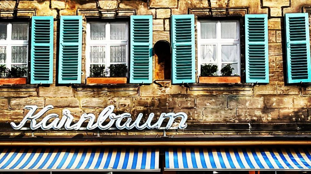 When they're parking their cars on your chest You've still got a view of the summer sky . . . #homesweethome #forchheimviews #igersfranconia #ig_franken #forchheimerleben #typography #shop #shopfront #sign #windows #shutter #architecturephotography #typo #karnbaum #blätterwald #festival #stripes #symmetry #forchheimshots #lyrics by #theshins